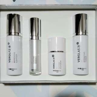 Verglas 冰 - FrozenAge's premier skincare line