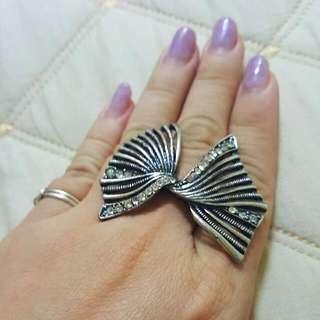 日本帶回造型戒指