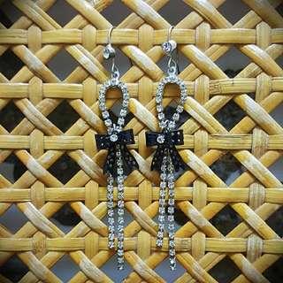 造型垂墬水鑽耳環含運賣