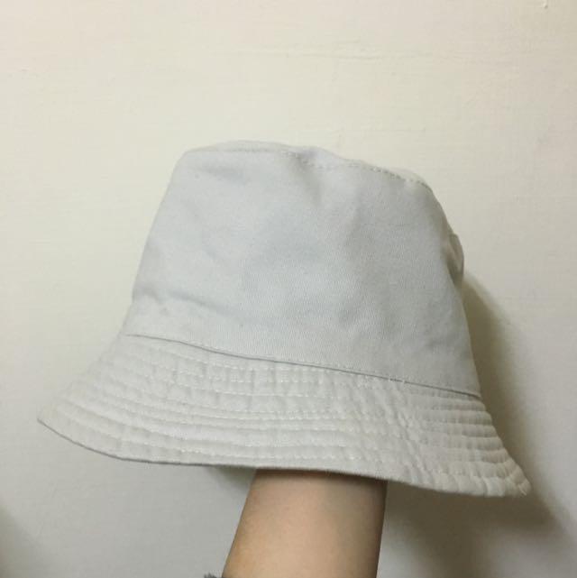 灰白漁夫帽