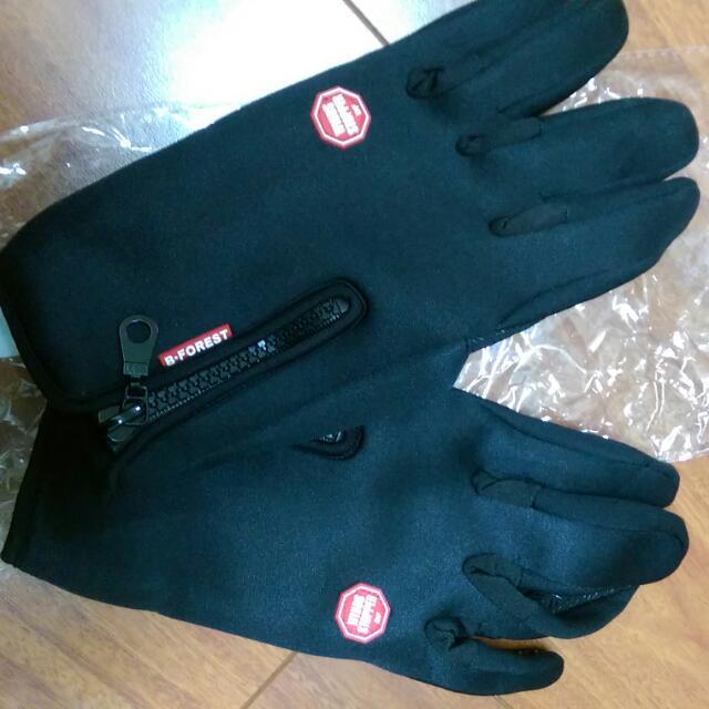 多功能防滑保暖手套,運費5元