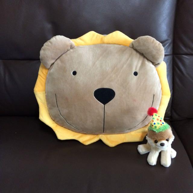 獅子抱枕 暖手枕 靠枕