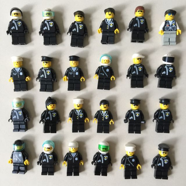 Lego City Police Minifigures Headquarters Bbx Classic 7498 60047
