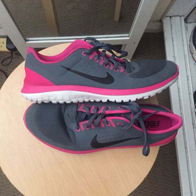 info for cd982 c099a Pink & Grey Nike Free runs, Women's Fashion on Carousell