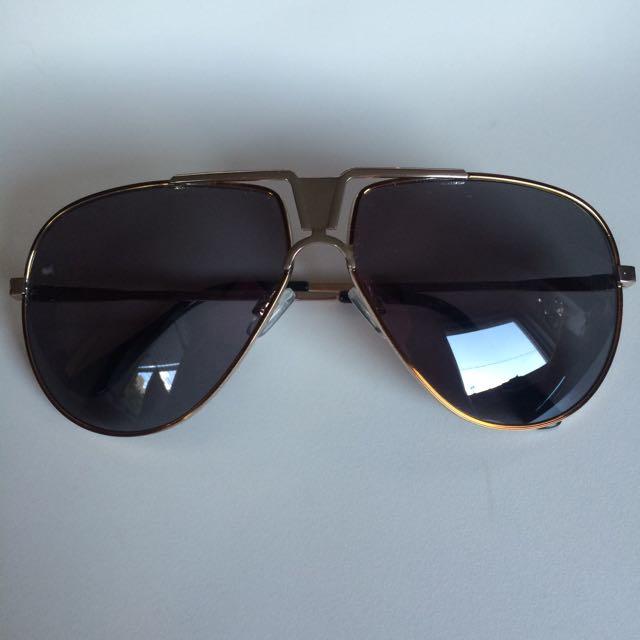 Sunglasses - Modern Aviator Design