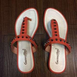 橘色卯釘拖鞋👣
