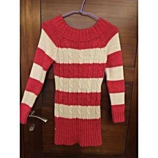 粉白長版粗針織毛衣