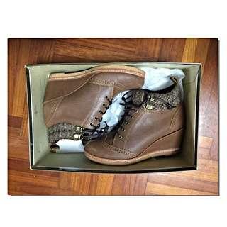 👢棕色楔型短靴👢