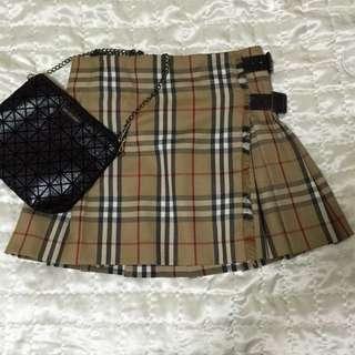 Burberry英國黑標  經典蘇格蘭短裙美規M號,可穿至小L