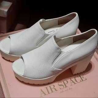 35號*白色魚口鞋*