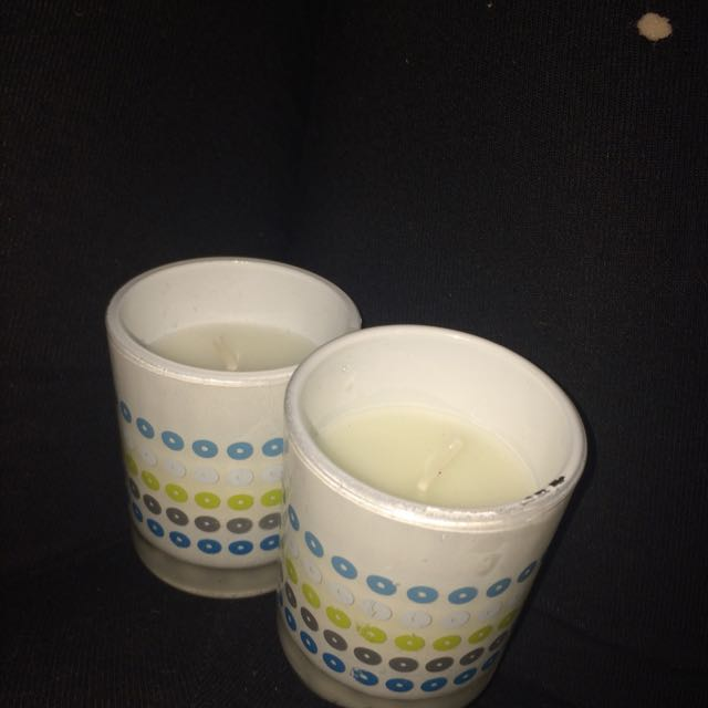 2 small candles