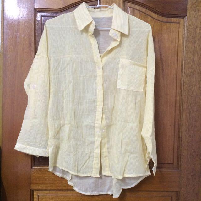 淡黃長袖條紋襯衫