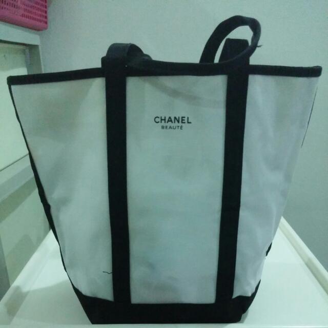 5f0b7ef4ef27e Chanel Beaute Bag- Tote Bag