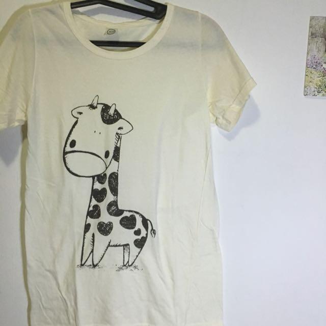 cute giraffe shirt