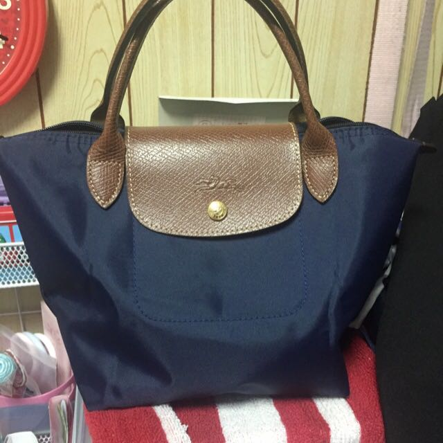 (待匯款)Longchamp深藍色短把s號