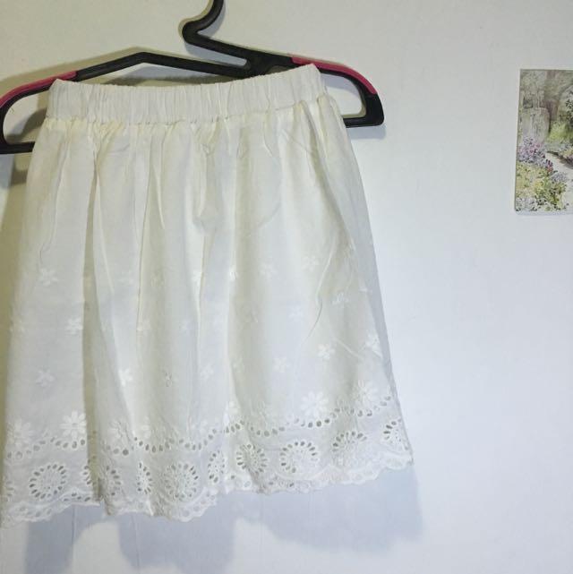 pretty white floral skirt
