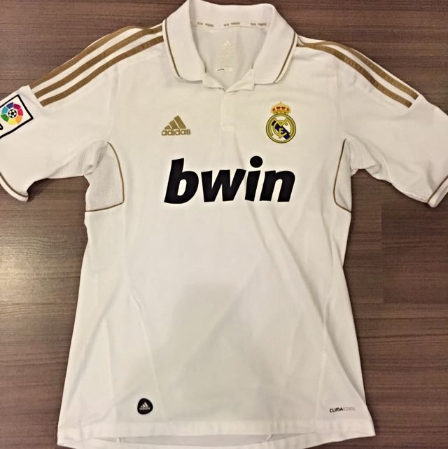 Real Madrid 2011-2012 Home Jersey Replica