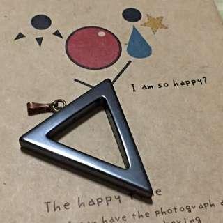黑石鏤空倒三角墜飾(不含鍊子)