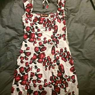 S 6-8 Princess Highway Red And White Rose Dress