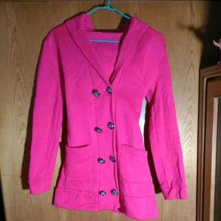 桃紅色連帽排扣綁帶外套