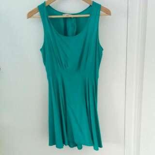 Temt Green Partial-Open Back Dress