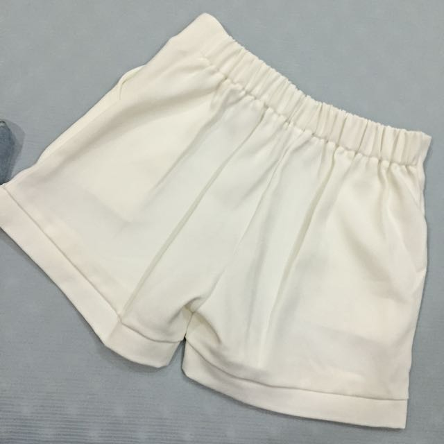 西裝布白短褲