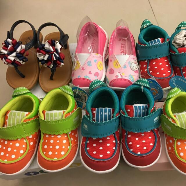 百貨公司賣一千多 打七折 幼兒鞋 兒童時尚