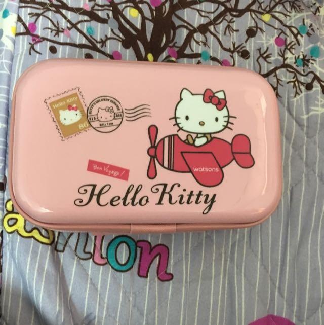 Hello Kitty 旅行盒