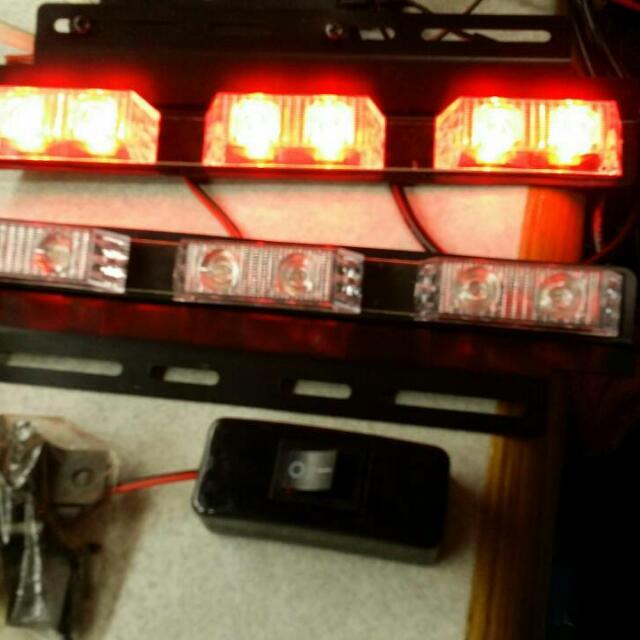 汽車爆閃LED燈全新,有裝置架,開關,當初買499