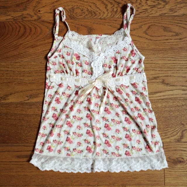 Pre-loved floral lace top
