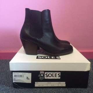 PENDING SOLES Black Boots!!