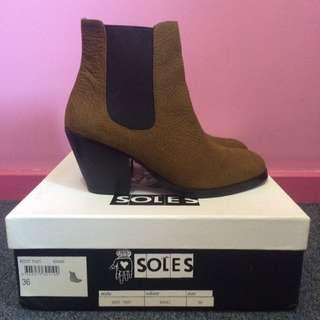 PENDING SOLES Khaki Boots!!
