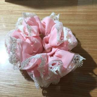 粉色蕾絲髮圈