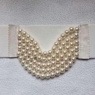 White Chunky Statemeant Pearl Waist Belt
