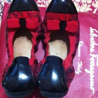 Ferragamo Flats Size 6