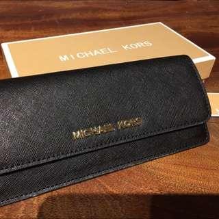最後降價~MK皮夾(包包內的編號是32F3GTVE7L:)