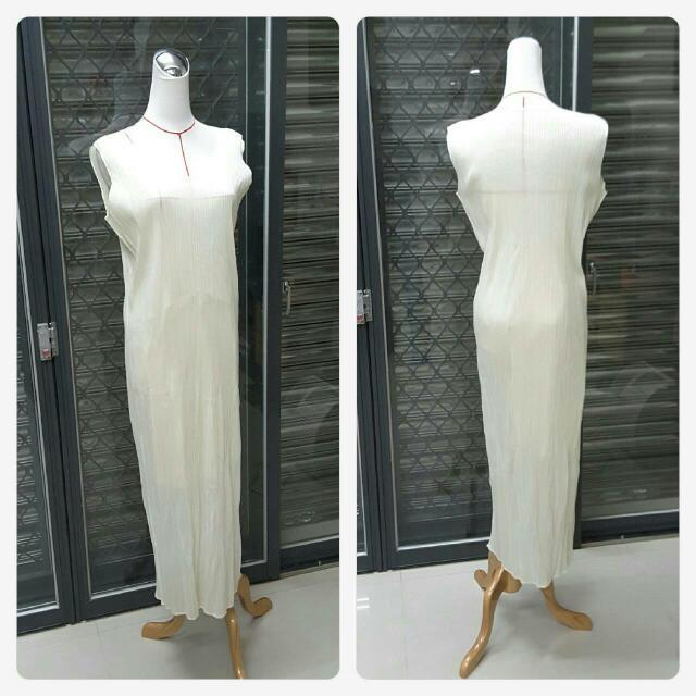 三宅一生 ISSEY MIYAKE/PLEATS PLEASE米白色無袖洋裝
