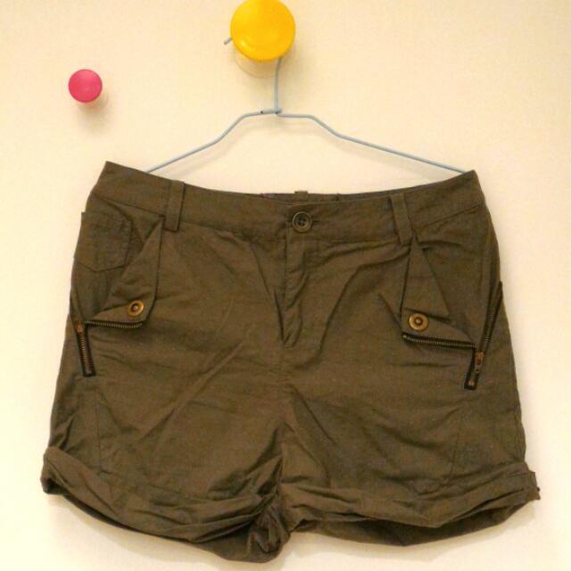 Gozo 軍綠色短褲