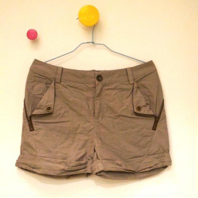 Gozo 灰色短褲