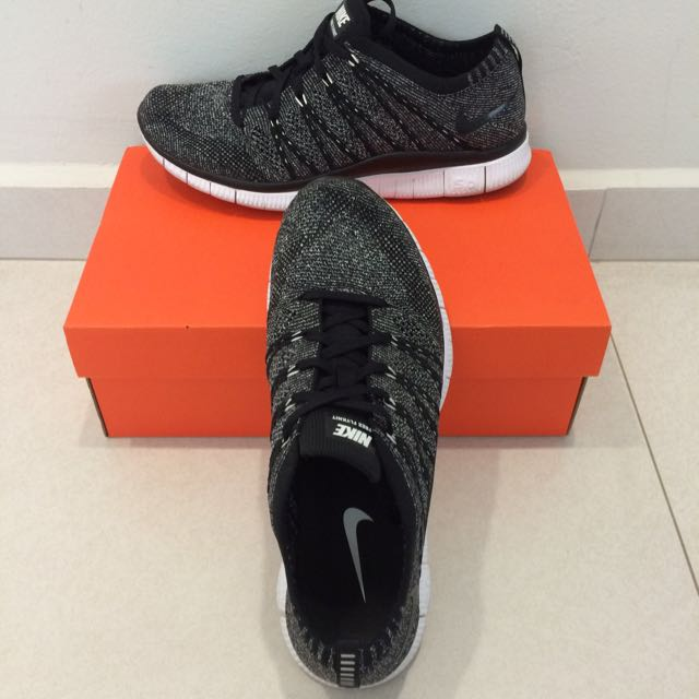 finest selection 6f99b db845 Nike Flyknit Free NSW Oreo, Sports on Carousell