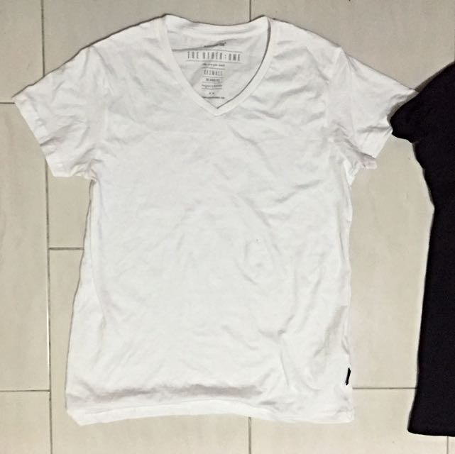 TWO FOR 15 brand new pure tee black and white   simple style