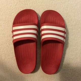 待匯《出國便宜賣含運》Adidas Slides 紅色 Slide K4 拖鞋 超少穿 快帶走!