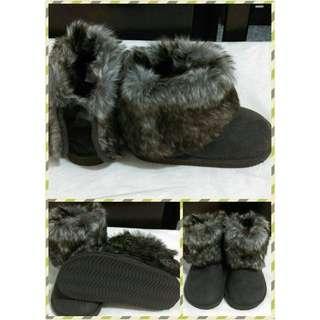 📢全新-H&M毛毛靴子