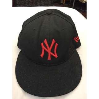 (二手)NEW ERA 洋基帽 黑 紅 7號