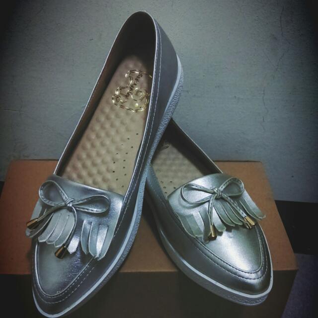 大尺碼全新女鞋