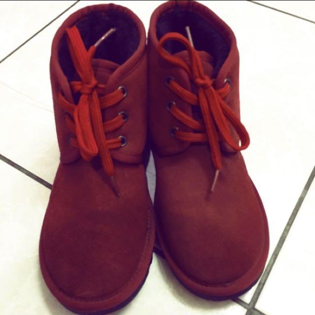 酒紅色綁帶雪靴
