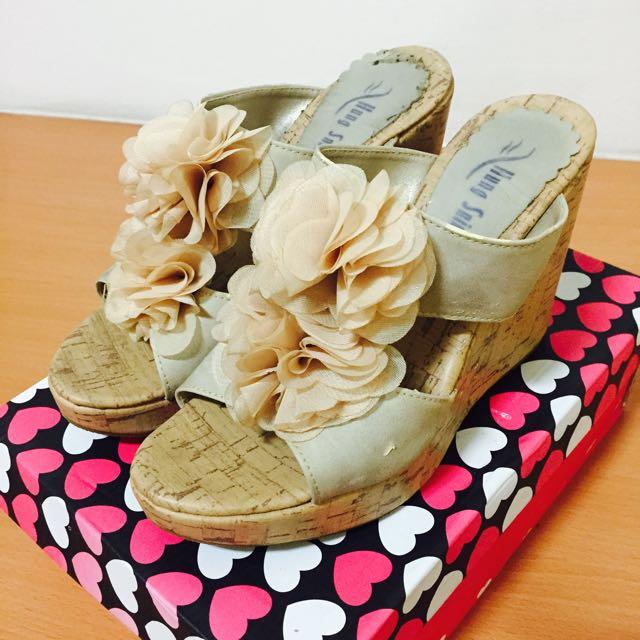 花花裸色厚底鞋