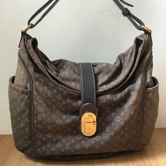 Authentic Louis Vuitton Monogram Canvas shoulder bag