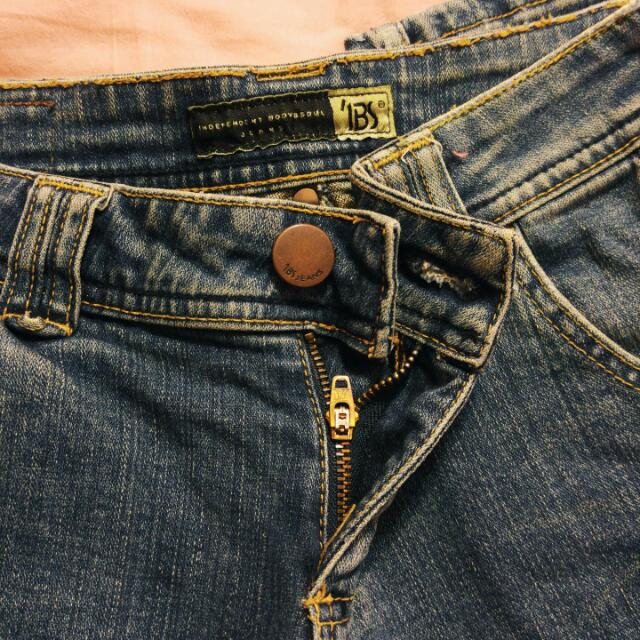 專櫃IBS 仿舊直筒貼腿牛仔褲