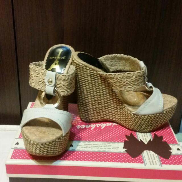 Wink編織楔型涼鞋